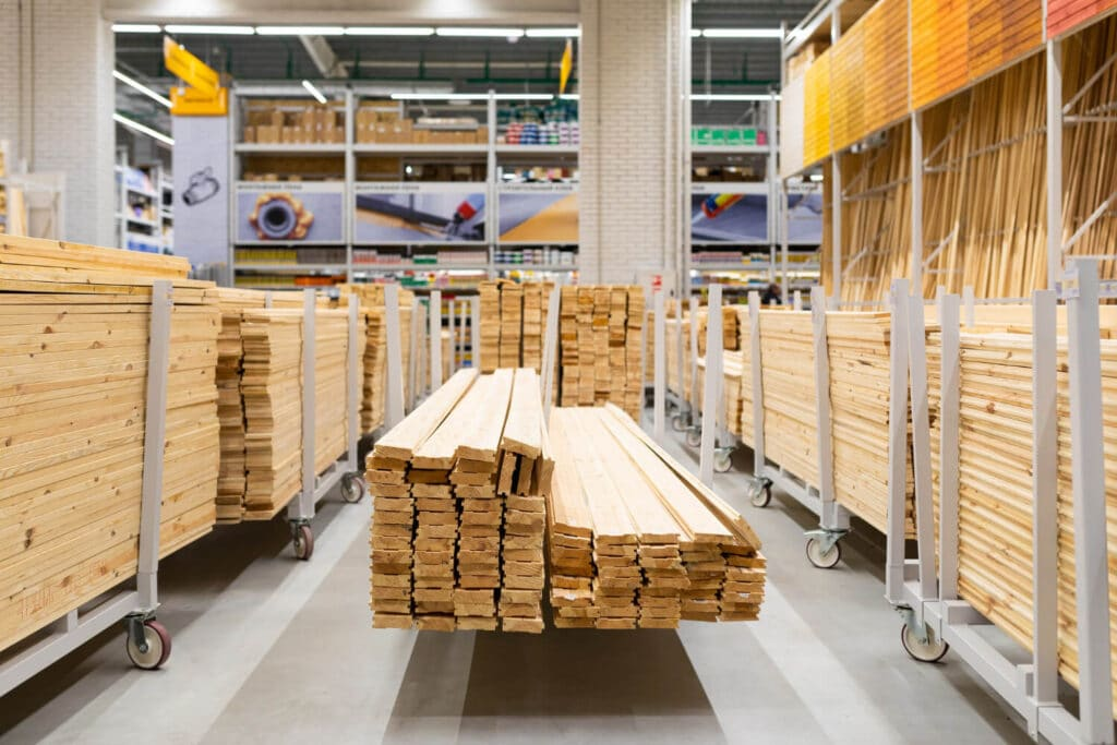 does lowes or home depot cut wood for you